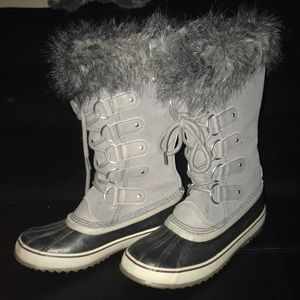 LIKE NEW SOREL JOAN OF ARC BOOTS